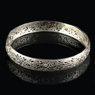 Solid silver bracelet with ornaments