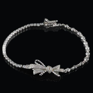 Silver bracelet ribbon with zircons
