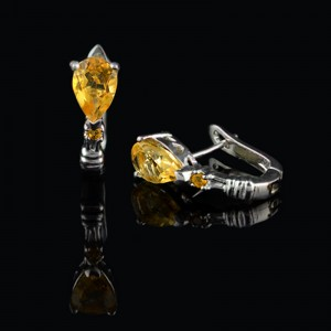 Silver earrings with natural Citrine