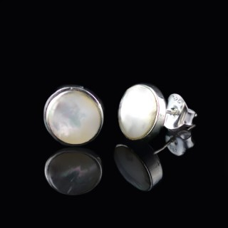 Earrings mother of pearl circle