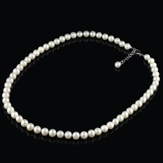 White pearls necklace 2
