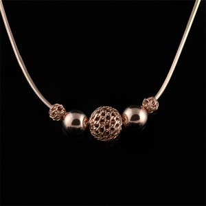 Silver necklace with balls and rhodium plated