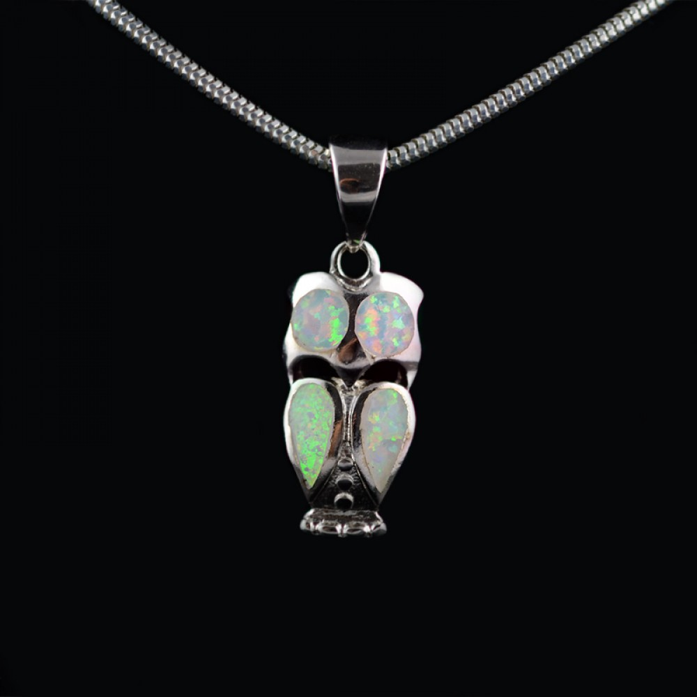 Pendant owl with Opal
