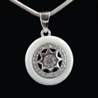 Silver pendant with ceramic