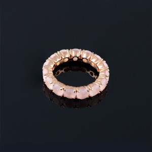 Ring with pink quartz