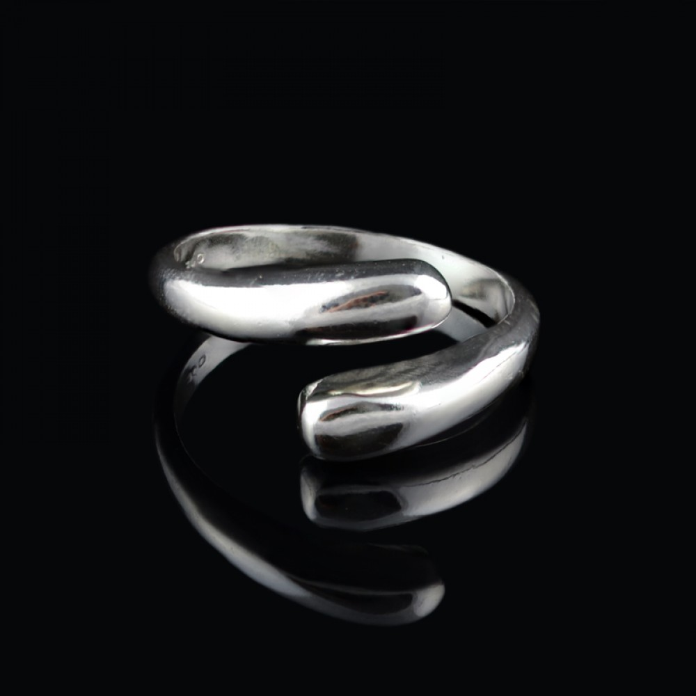 Curved silver ring