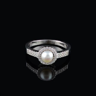 Ring with Majorca pearl