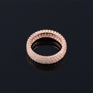 Silver ring with zircons and rose gold rhodium