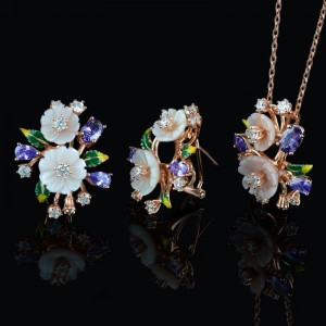 Earrings and necklace gentle flowers