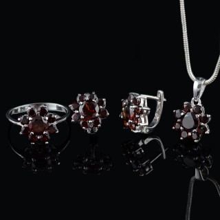 Silver set flowers of Garnet gemstones